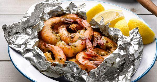 Easy grilled shrimp Garlic Shrimp (No. 8) Mix 1/2 stick softened butter,