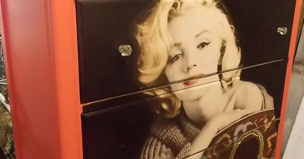 Marilyn Monroe Dresser At Past Times Mini Mall In New