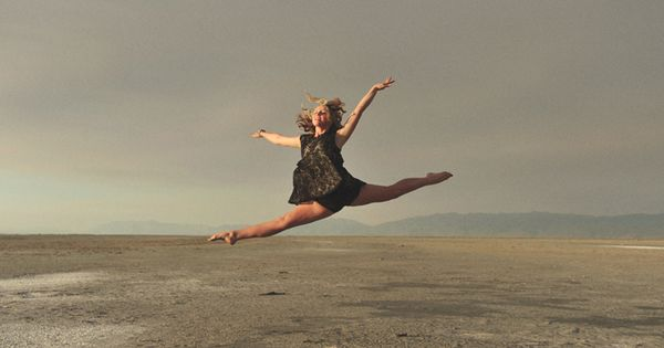 Beautiful dance picture ideas for Seniors - such a simple background allows