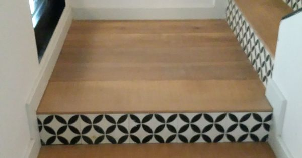 parquet et carreaux de ciment escaliers pinterest carrelage de ciment parquet et ciment. Black Bedroom Furniture Sets. Home Design Ideas