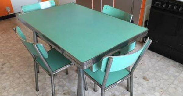 Table Et Chaises De Cuisine En Formica Vert Pivoteau Chaise Cuisine Cuisine Formica Cuisinette