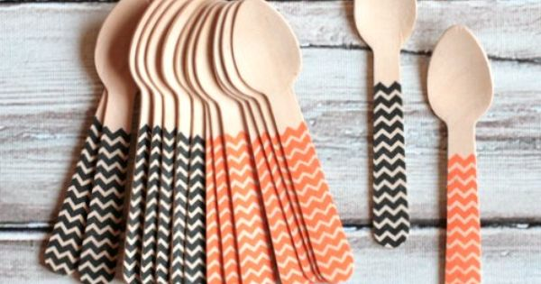 Cute party supplies, Halloween Chevron Mini Wooden Spoons