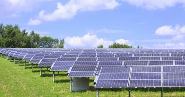 Innovative Solar Systems Offering 265 Mw Of New Pv Projects With Irr Between 8 6 34 With Images Solar Solar Farm Solar Pv