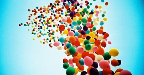 Many Beautiful Balloons In The Sky : Balloons