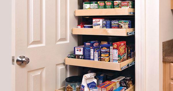 nice small pantry. Like Mary Kuiper's!
