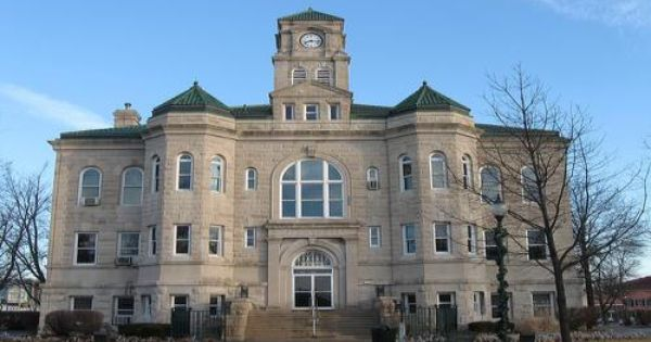 Appanoose County Courthouse Centerville Ia Courthouse Iowa House Styles