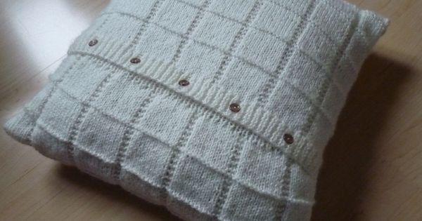 Patron gratuit tricot coussin tricots pinterest for Patron housse coussin rectangulaire