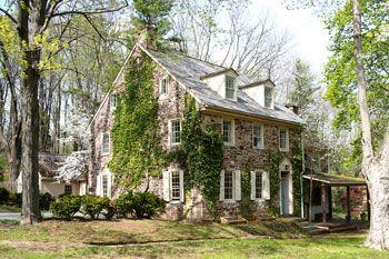 Classic Pennsylvania Stone Farmhouse Stone Houses Old Stone Houses Stone Cottages