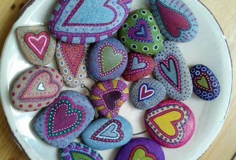 #painted rocks, Painted heart rocks