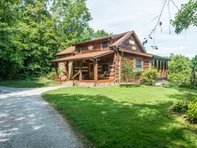 Brown County Indiana Pond S Edge Vacation Log Cabin Near