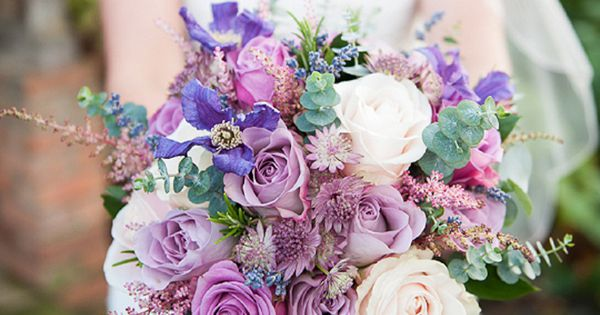 Get ready to fall in love with some pretty amazing flowers. Ia??m talking dazzling bouquets that will leave you speechless (seriously). This is Part 11 of my mont