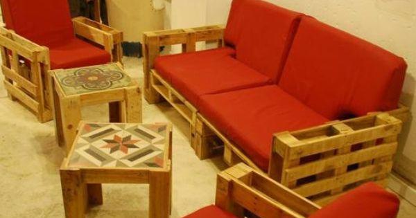 Decoraci n con paletas de madera decoraci n kids - Muebles originales reciclados ...