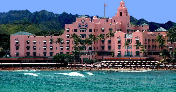 The Royal Hawaiian -- so very pink, so very '40's, so very