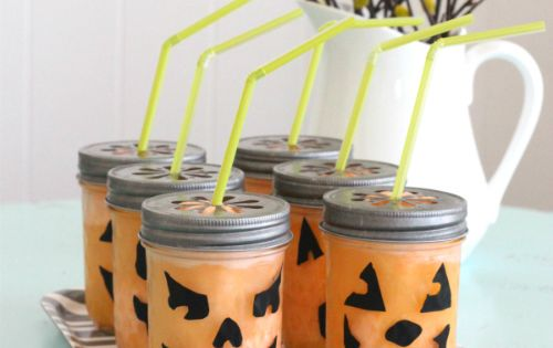 Fizzy Pumpkin Halloween Drink + Party Tips - could use this to