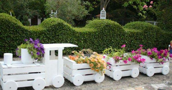 Fioriera in legno a forma di trenino fai da te giardini for Fioriera in legno fai da te