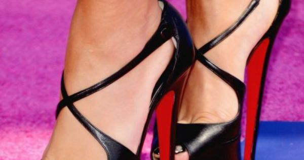 Gorgeous shoes! What's your favorite style of heel? Check out high heels