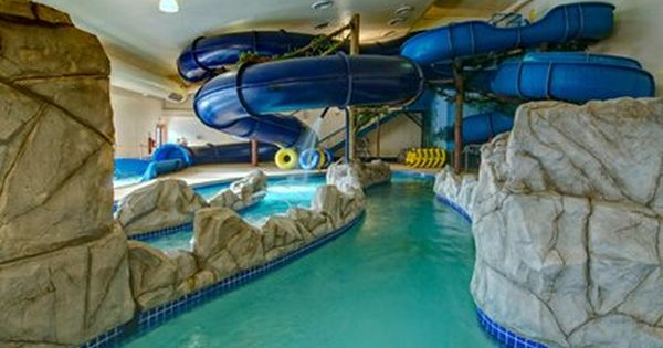 Huge in home water slides swimming pool pinterest for Glissade d eau interieur