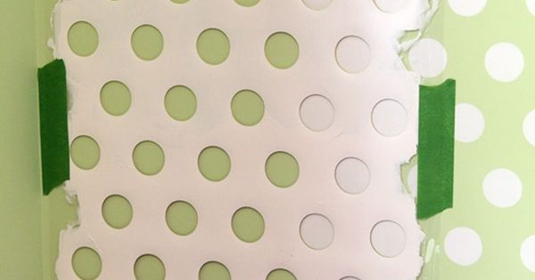 Polka dot walls from an old laundry basket for laundry room, bath