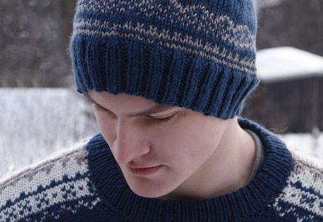 Free pattern: Knitted DROPS mens hat with Norwegian ...