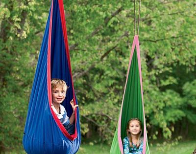 Hanging chair - cute for kid room
