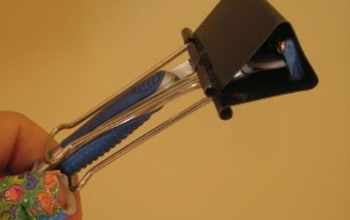 Safely pack your razor with a binder clip & 13 more travel
