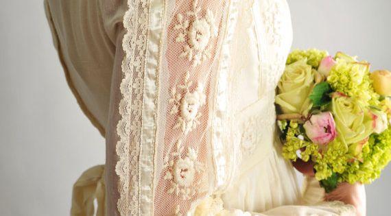 1970s gunne sax wedding dress // vintage 70s ivory gunne sax renaissance