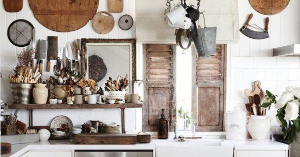 Une cuisine avec d coration murale summer house for Deco murale kitchen
