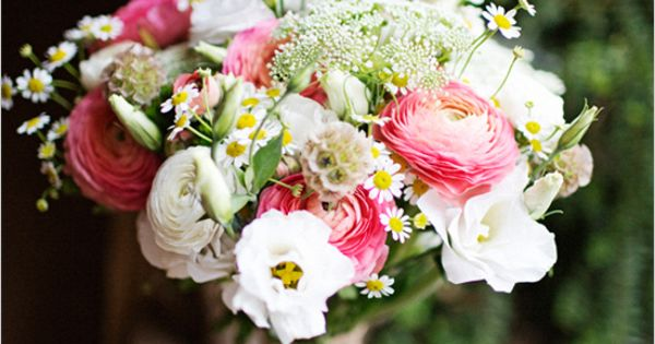 pink and white bouquet with daisies