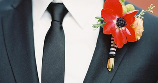 Wedding tie - red   black boutonniere | Landon Jacob #wedding