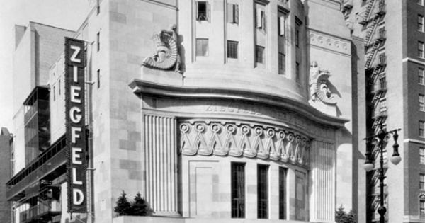 At A Cost Of 2 5 Million In 1927 Ziegfeld Built The 1600