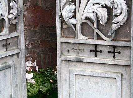 I love doors and windows... Vintage one