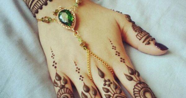 pin by neha goundar on indi stuffs pinterest mehendi bracelets and slave bracelet. Black Bedroom Furniture Sets. Home Design Ideas