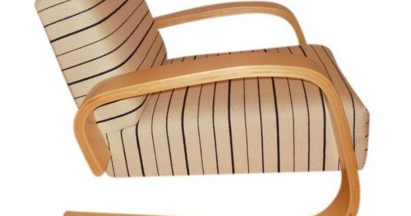 Pair of artek alvar aalto lounge chairs 10 600 est for Alvar aalto chaise lounge
