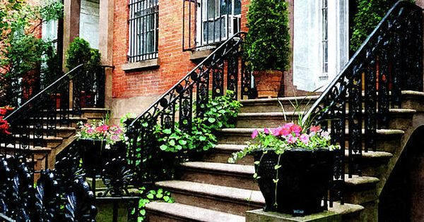Chelsea brownstone susan rent nyc for Broker fee nyc