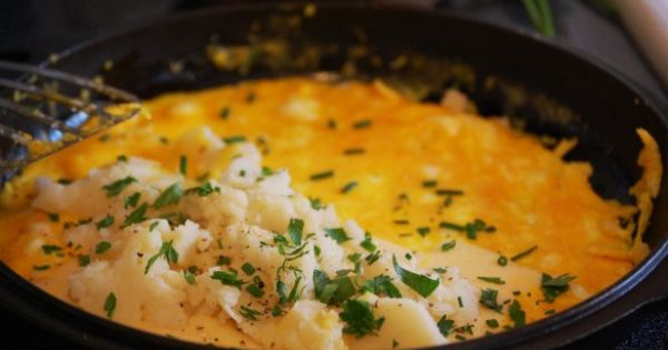 Omelettes, Mashed potatoes and Potatoes on Pinterest