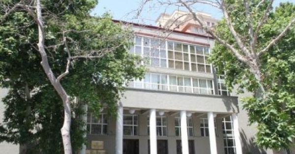 Rubl Duyunu Maliyyə Bazarlarina Nəzarət Palatasindan Cavab Gəldi House Styles Windows Mansions