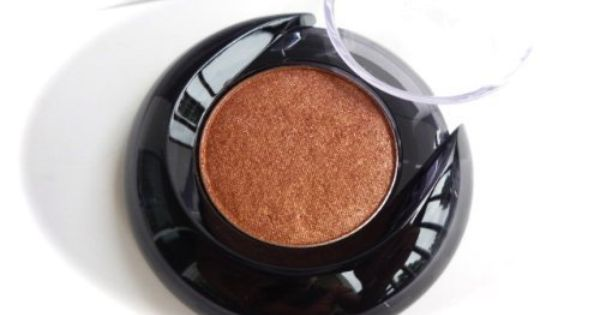 Lancome Color Design Sensational Effects Eyeshadow Smooth Hold In Model Metallic By Lancome A Color That S Supposed To Perk U Color Design Eyeshadow Lancome