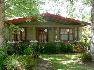 Experiencing Los Angeles Bungalow Heaven Pasadena Craftsman Style Bungalow Craftsman Style Homes Craftsman Exterior