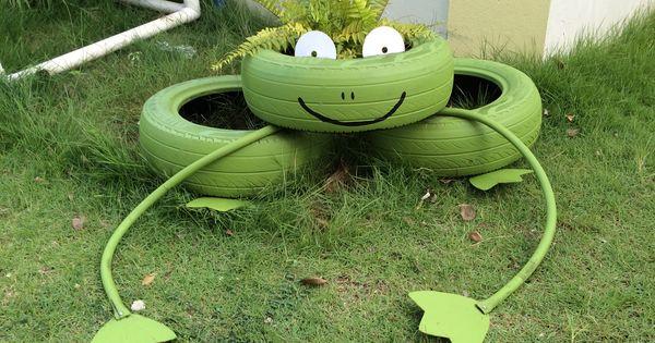 Sapo creado con gomas usadas para el huerto escolar for Mobiliario para parvulos