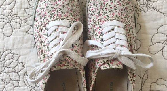 f02807f8b0 Mossimo Floral Lace-Up Shoes - 8