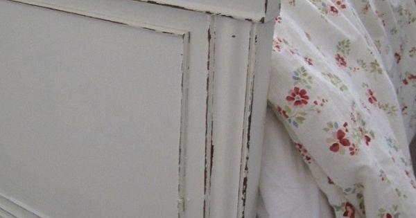 vintage m bel look selber machen bettrahmen sschleifpapier. Black Bedroom Furniture Sets. Home Design Ideas