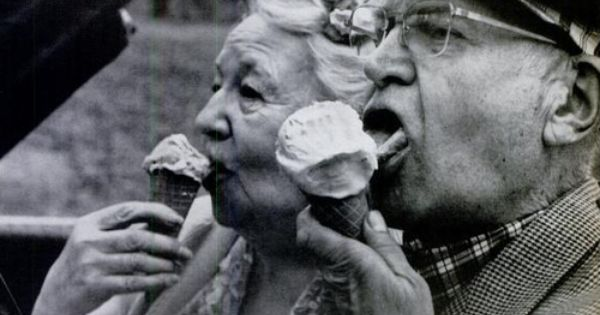 Happy old couple in love. icecream love