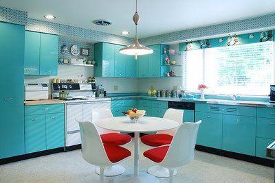 Design A 1950s Kitchen And Work It Like A Retro Housewife Vintage Shopper Metal Kitchen Cabinets Mid Century Modern Kitchen Retro Kitchen