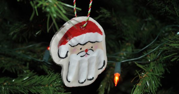 Santa Hand Print Ornaments / mommypage.com christmas santa handprint ornament