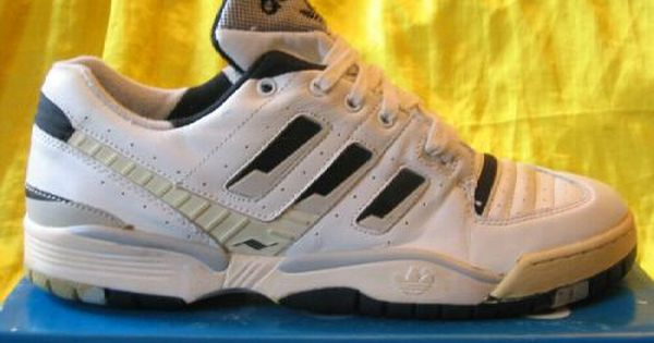 Baño Empotrar cascada  Adidas Vintage · Fresh sneakers and vintage trainers. IN SNEAKERS WE TRUST  | Vintage adidas, Adidas torsion, Fresh sneakers