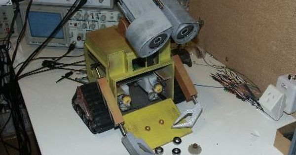 Easy Diy Animatronics With Images Wall E Easy Diy Projects