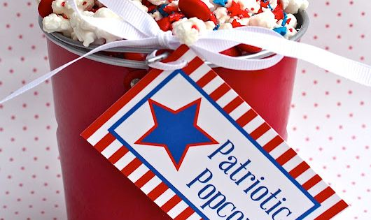 Patriotic Popcorn Treat good for any patriotic holiday | bloomdesignsonline.blogspot.com