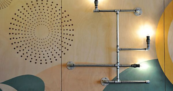 Une déco murale industrielle et colorée  Deco