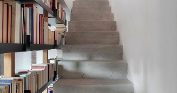 9 Stylish Staircases With Bookshelves As Safety Barriers ...