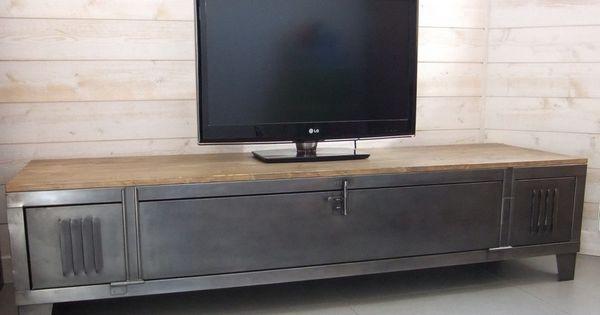 Meuble TV industriel avec ancien vestiaire. Vous pouvez choisir votre plateau, épicéa